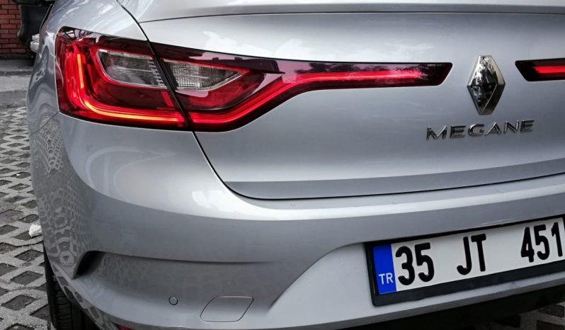 Yeni Renault Megane dolu